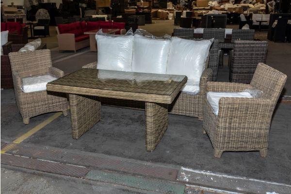 #HBM 2012: Sitzgruppe bestehend aus 3er Sofa Fisolo, 2er Set Stuhl ST. Augustin und Tisch Fisolo 5mm