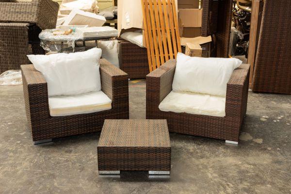 #G 426: 2x Sessel Barcelona mit Tisch