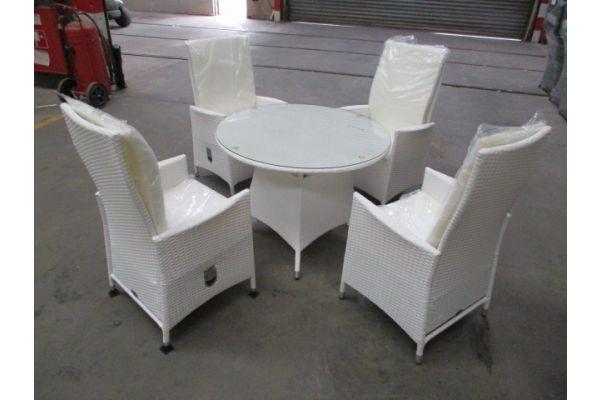#HBM 1767: 4x Stuhl Sevilla + Tisch Sanremo