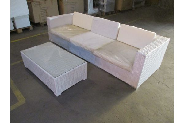 #HBM 1775: 3er Sofa bestehend aus 2 Eck- und 1 Mittelelement Barcelona mit Tisch 110x70