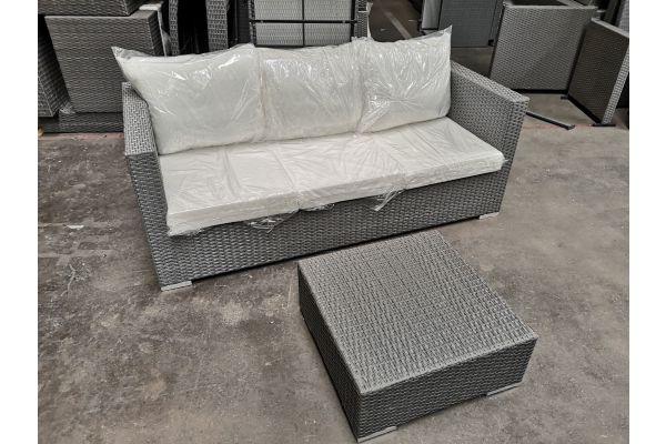 #G 614: 3er Sofa Malolo mit Tisch 60x60x25-grau