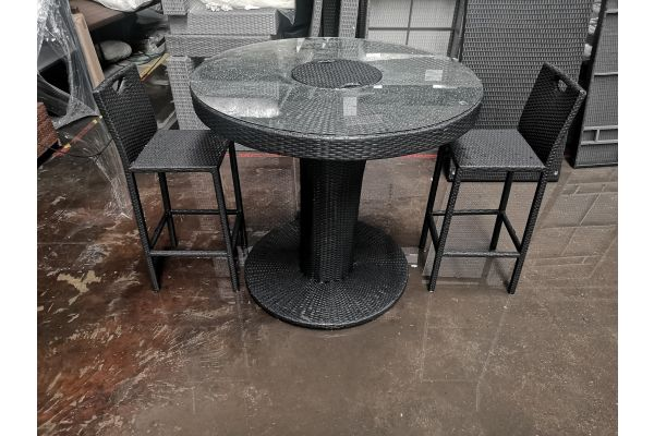 #G 651: 2er Set Barhocker Mari mit Tisch Mari XL