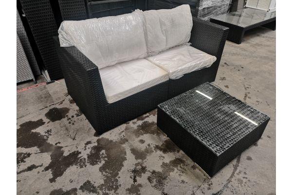 #G 654: Sofa bestehend aus 2x Eckelement Terra mit Tisch 59x59x25