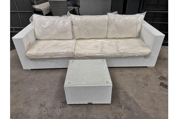 #G 666: Sofa Barcelona bestehened aus 1x Seiten- und 1x Eckelement mit Tisch Genero
