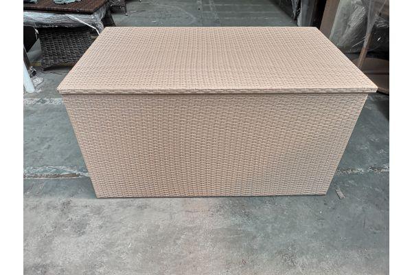 #G 749: Auflagenbox XL