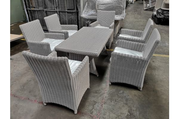 #G 800: Tisch Sorano + 6x Stuhl Fontana