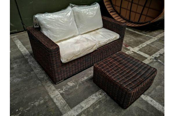 #G 827: 2er Sofa Madeira + Tisch 60x60x30
