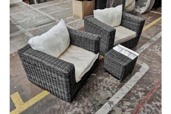 #G 847: 2x Sessel Barcelona + Tisch Vilato-grau-meliert