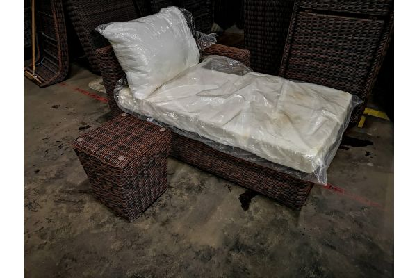#HBM 947: Recamiere Tessera + Tisch Mandal-braun-meliert