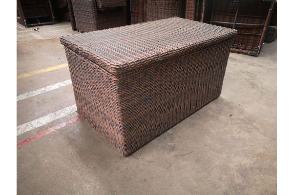 #G 954: Luxus Auflagenbox L