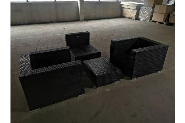 #HBM 3: 2x Sessel + Mittelelement + Tisch 3-1-1