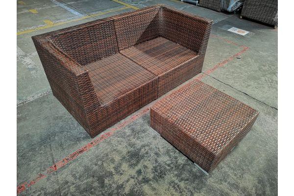 #G 1067: 2x Eckelement Bologna + Tisch 60x60x25