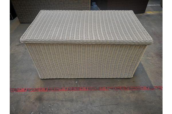 #HBM 1106: Luxus Auflagenbox M