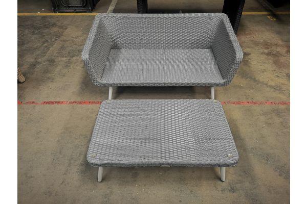 #G 1113: Sofa + Tisch Molde