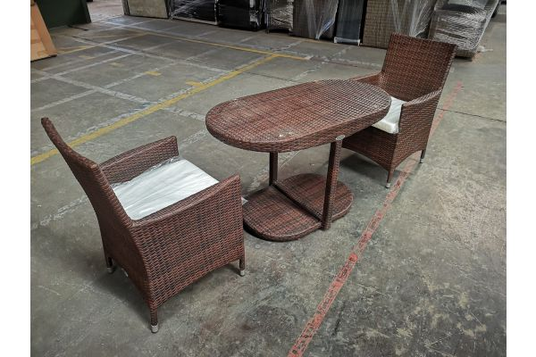 #HBM 1136: 2x Stuhl Avignon + Tisch Bayamo