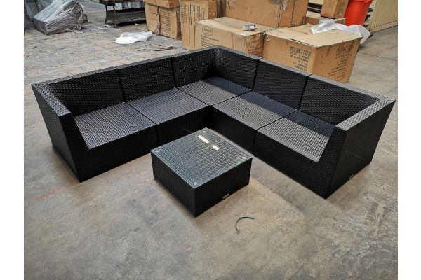 #G 1142: 3x Eckelement + 3x Mittelelement + Tisch Bologna