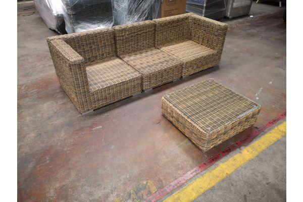 #G 1188: 3er Sofa bestehend aus 2 Eck- und 1 Mittelelement mit Tisch Pamplona 5mm-natura
