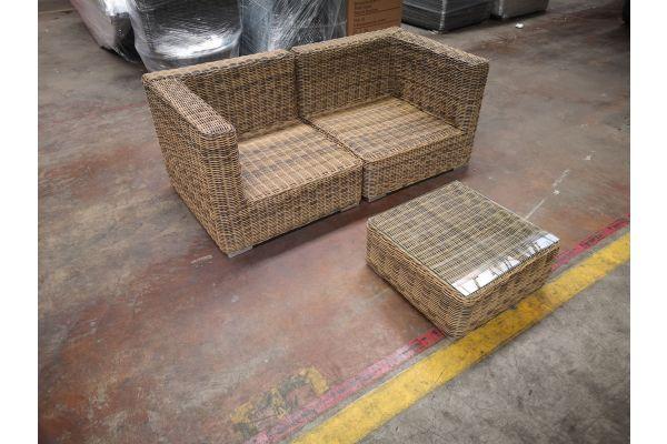 #G 1189: 2er Sofa bestehend aus 2 Eckelementen Pamplona mit Tisch Ariano 5mm-natura