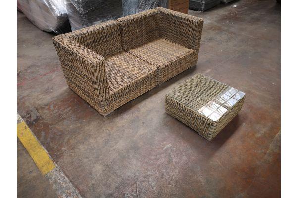 #G 1190: Sofa bestehend aus 2 Eckelementen Pamplona mit Tisch Ariano 5mm-natura