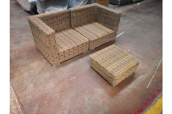 #G 1193: Sofa bestehend aus 2 Eckelementen Pamplona mit Hocker Ariano 5mm-natura