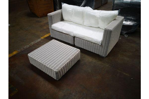 #HBM 1196: Sofa bestehend aus 2 Eckelementen mit Tisch Pamplona 5mm-perlweiß