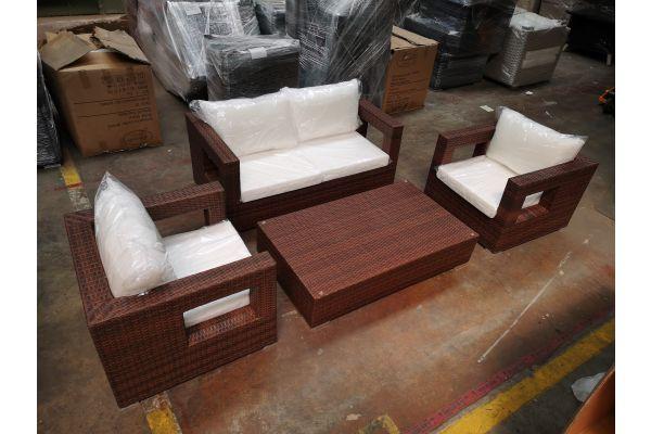 #G 1219: Sitzgruppe bestehend aus 2 Sesseln und 2er Sofa Honolulu mit Tisch Barcelona