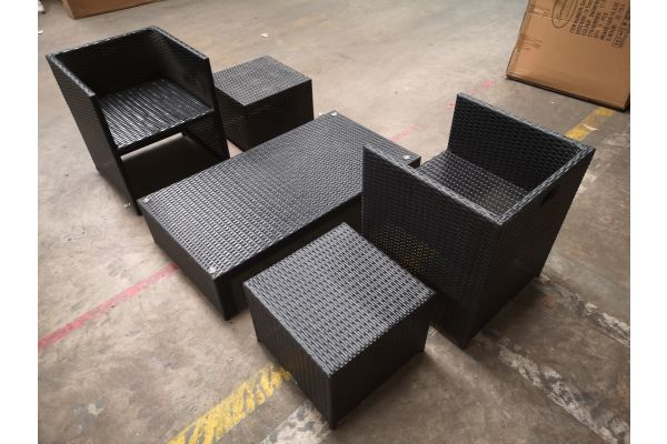#HBM 1314: 2x Stuhl + 2x Hocker Tahiti + Tisch Casablanca schwarz