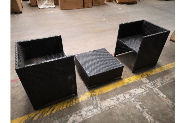 #HBM 1315: 2x Sessel Tahiti + Tisch Terra schwarz