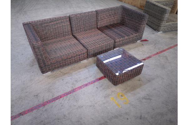 #G 1328: Sofa bestehend auf 2 Eck- und 1 Mittelelement mit Tisch Ariano 5mm-braun-meliert
