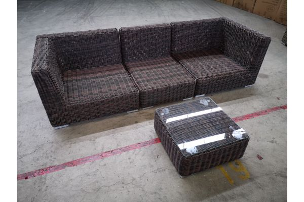#G 1330: Sofa bestehend auf 2 Eck- und 1 Mittelelement mit Tisch Ariano 5mm-braun-meliert