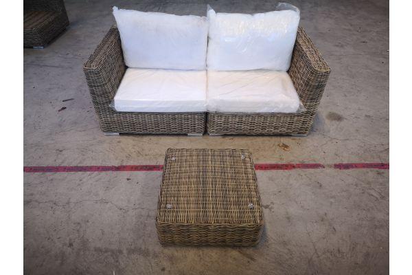 #G 1348: Sofa bestehend aus 2 Seitenelementen mit Tisch Ariano 5mm-natura