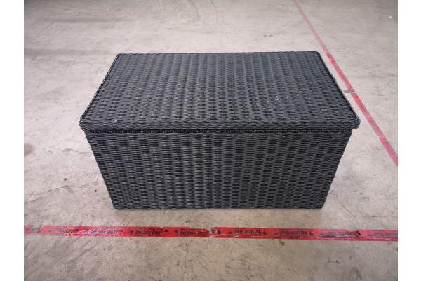 #HBM 1393: L Auflagenbox 5mm schwarz