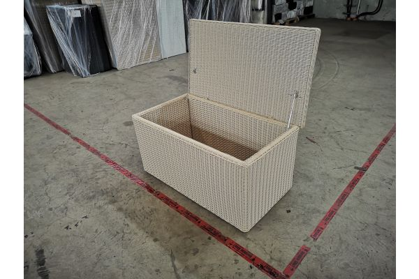 #G 1394: L Auflagenbox 5mm perlweiß-perlweiß
