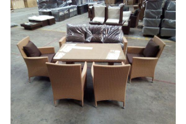 #HBM 1518: Sitzgruppe bestehend aus 3er Sofa und Tisch Fisolo mit 4 Stühlen Avignon